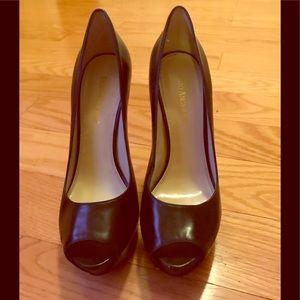 Beautiful Enzo Angiolini peep toe platform heels